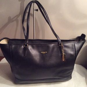 Coach east west large tote